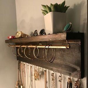 Accessories - wall jewlery organizer